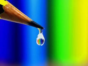 Pe vîrful creionului se adună transpirația și efortul de a scrie*